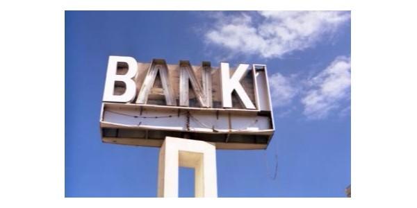 去香港银行开户一直开不下来账户怎么办?有什么方案呢?